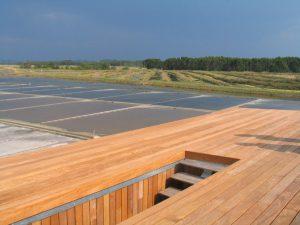 """O conceito do edifício previa a utilização da sua cobertura como """"observatório"""", permitindo desta forma uma melhor percepção da paisagem"""